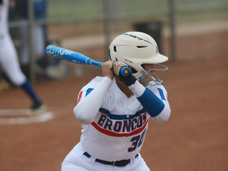 Russell/Victoria's Kendra Bay at the plate during 2021 game. (Photo courtesy Jason Drake)